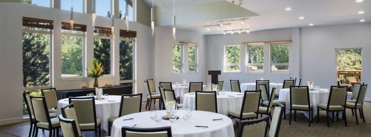 Clubhouse Room - Executive Suites Squamish